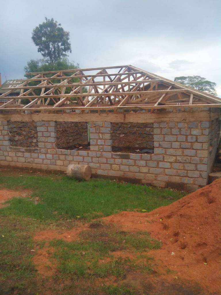 Phase 1: Walls and roof trusses