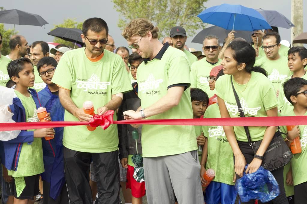 The Mayor of city of Boynton Beach inaugurates the walk.